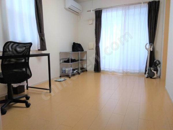 シンプルライフな部屋