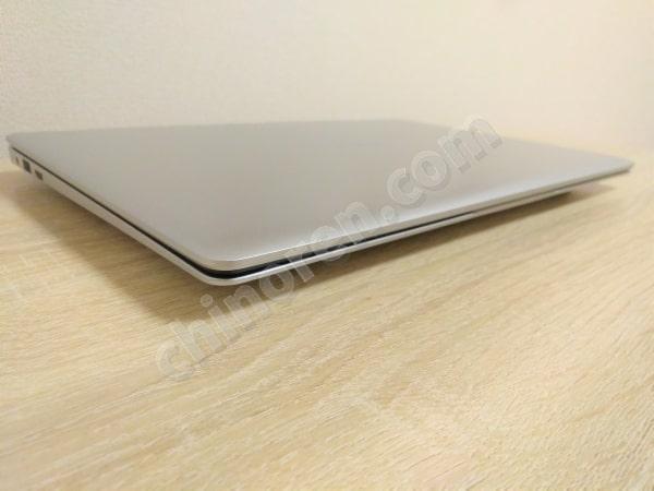 Jumper EZbook S4は薄い
